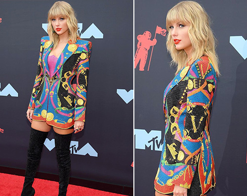 taylor swift 1 Taylor Swift grintosa sul red carpet dei VMAs 2019