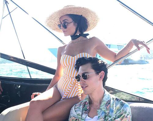 vanessa hudgens 2 Vanessa Hudgens e Austin Butler sono stati in Sardegna
