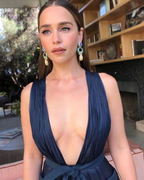 69578326 2315320015188406 8287717465705797463 n Emilia Clarke, scollatura hot per gli Emmy