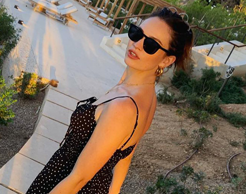 Lily James 2 Indovina la vacanziera di settembre