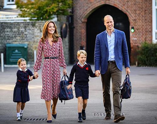 charlotte e george Primo giorno di scuola per George e Charlotte