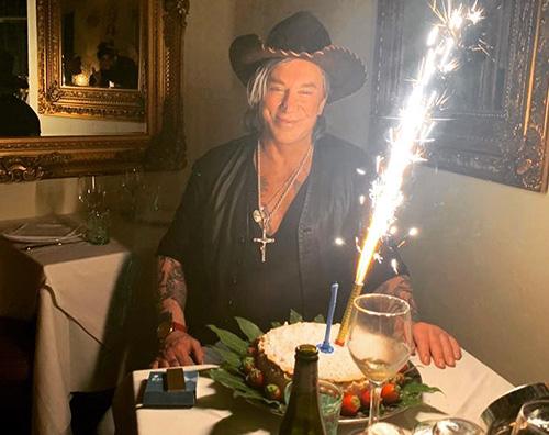mickey rourke Mickey Rourcke festeggia il compleanno a Milano