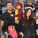Megan Fox 2 1 150x150 Megan Fox a Disneyland con la famiglia