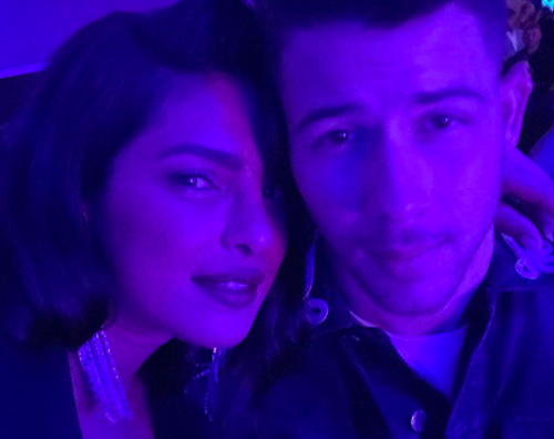 Priyanka Chopra Nick Jonas Nick e Priyanka, selfie di coppia su Instagram