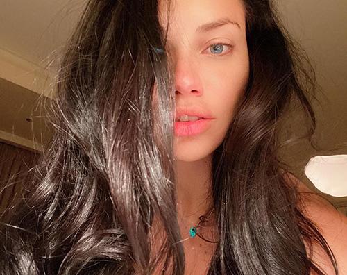 adriana lima Adriana Lima senza makeup su Instagram
