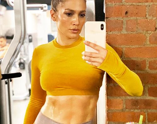 jennifer lopez Jennifer Lopez mostra gli addominali su Instagram