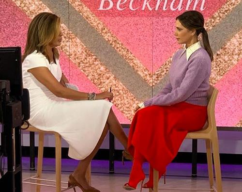 Victoria Beckham stilosa in TV