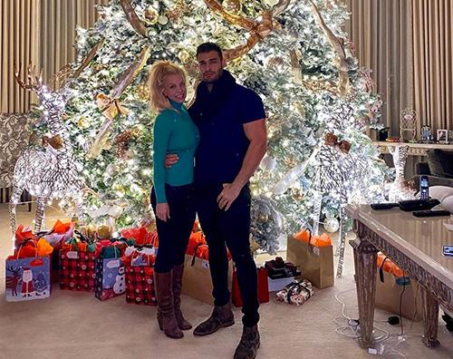 britney spears sam  Britney Spears aspetta il Natale col suo Sam