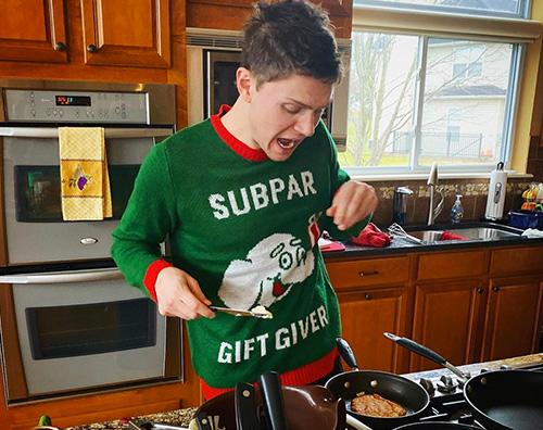 evan peters Evan Peters mostra il suo pullover natalizio su Instagram