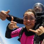 nina 1 150x150 Nina Dobrev si è lanciata col paracadute