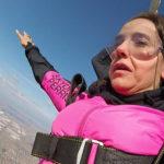 nina 3 150x150 Nina Dobrev si è lanciata col paracadute