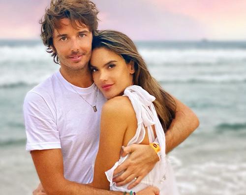 Alessandra Ambrosio e Nicolo Oddi Alessandra Ambrosio, vacanza romantica con Nicolò