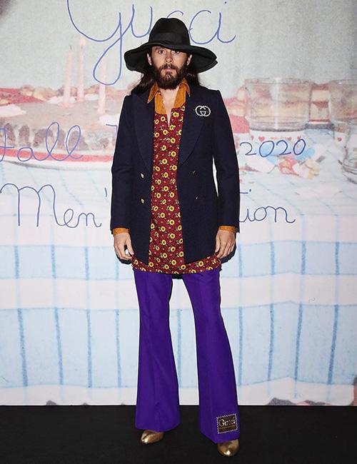 jared leto 2 Jared Leto, look anni 70 alla sfilata di Gucci