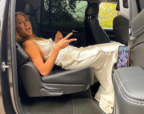 jennifer aniston 1 Jennifer Aniston reagisce alle lacrime di Brad Pitt ai SAG 2020