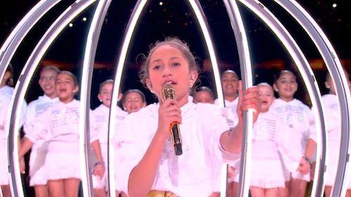 82641078 535230190418966 8491551233946152682 n Jennifer Lopez porta Emme sul palco del Super Bowl 2020