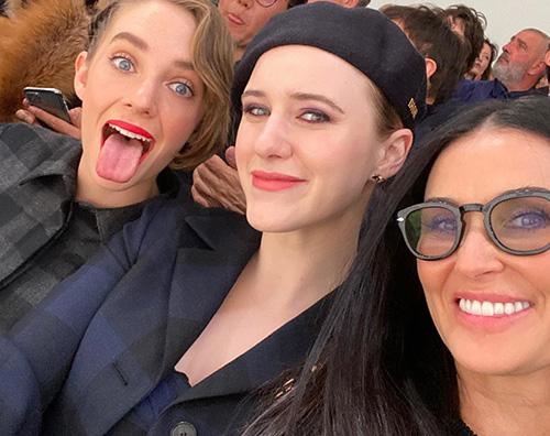 demi moore rachel brosnahan maya hawke Demi, Maya e Rachel da Dior
