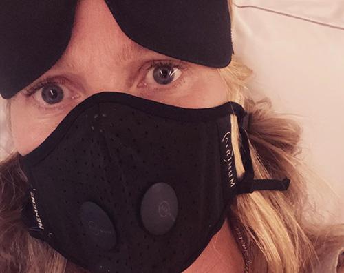 gwyneth paltrow Anche Gwyneth Paltrow si protegge dal coronavirus
