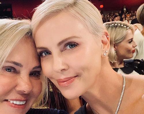 harlize Charlize Theron condivide la foto più bella degli Oscar 2020
