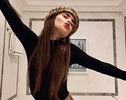 lily collins Lily Collins è una parigina su Instagram