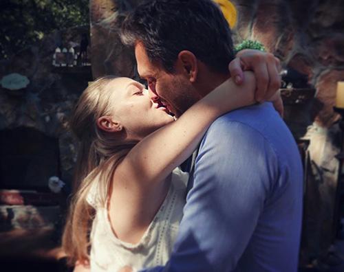 amanda Amanda Seyfried festeggia il suo anniversario su Instagram