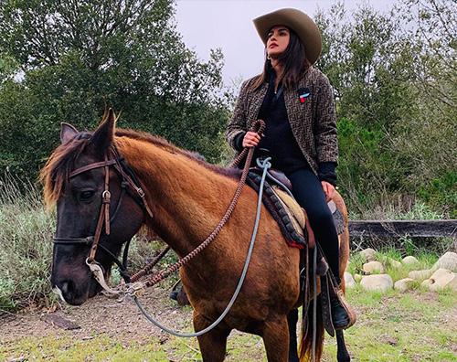 priyanka chopra Nick e Priyanka, domenica mattina a cavallo