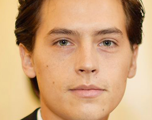 cole sprouse Cole Sprouse risponde alle accuse di violenza sessuale
