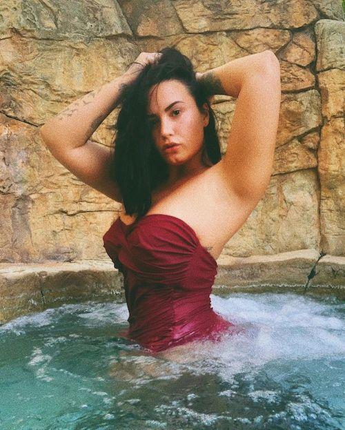 95104934 2768327646628795 8654253643663422935 n Demi Lovato in costume su Instagram