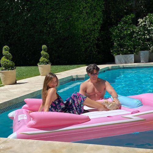 97066674 176201950362195 119642221653323129 n Sofia Vergara e Joe Manganiello, pool party in quarantena