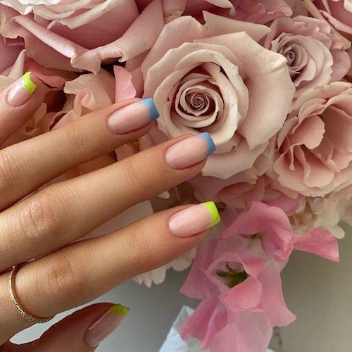 99425378 546596892692829 1865137588988976026 n Kylie Jenner, manicure estiva multicolor