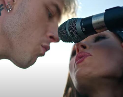 megan  Megan Fox e MGK, innamorati nel video di Bloody Valentine