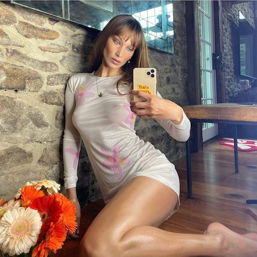 77168500 268744704545003 2482277572569191177 n Bella Hadid, shooting hot su Instagram