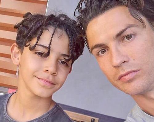 cristiano ronaldo Cristiano Ronaldo festeggia il compleanno di Cristiano Jr