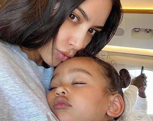 kim k 1 Kim Kardashian coccola Chicago su Instagram