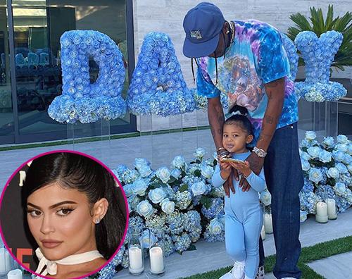 kylie jenner 1 Kylie Jenner festeggia Travis Scott nel giorno della festa del papà