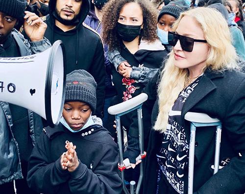 madonna Madonna a Londra per il movimento BLM