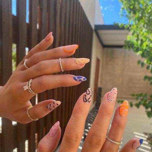 106126265 308852836818424 6635991412058501963 n Kylie Jenner sfoggia la manicure dellestate