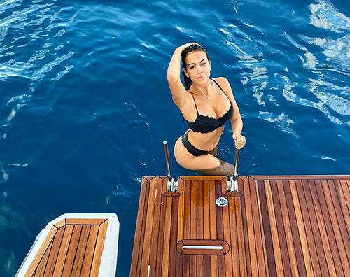 georgina rodriguez Georgina Rodriguez è una sirenetta su Instagram