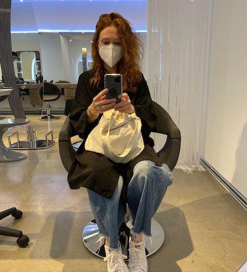 116837674 2707895516120076 260456811715412218 n Julianne Moore torna dal parrucchiere dopo la quarantena