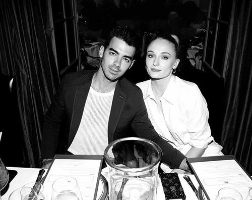 Joe Sophie Sophie Turner festeggia il compleanno di Joe Jonas su Instagram