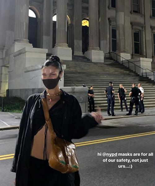 bella hadid 2 Bella Hadid contro i poliziotti perchè senza mascherina