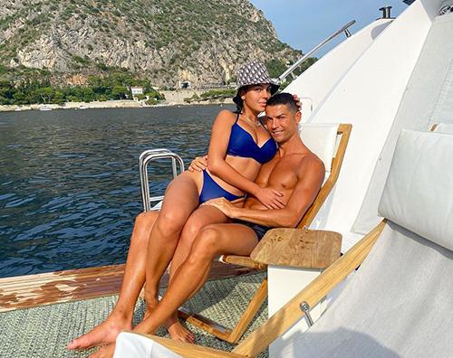 cr7 Cristiano Ronaldo si gode finalmente l'estate