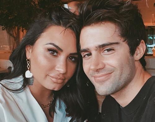 demi max 1 Demi Lovato e Max Ehrich, guerra mediatica tra i due ex