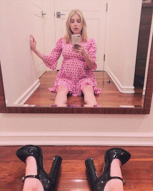 119219354 185059573060867 920152573646416549 n Emma Roberts mostra il pancino su Instagram