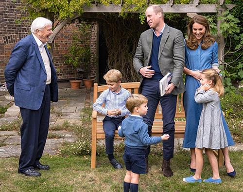 royal family 2 Kate e William mostrano alcune nuove foto dei loro figli