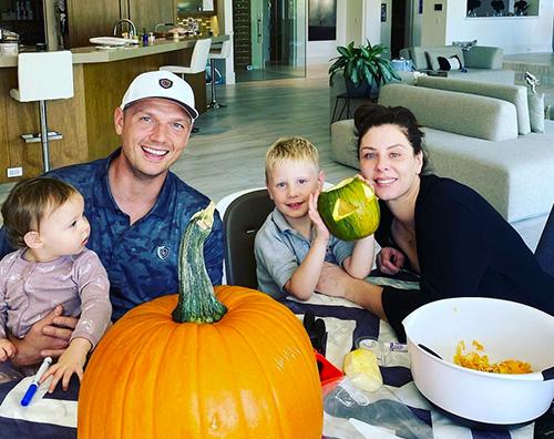 Nick Carter Nick Carter si prepara ad Halloween con la famiglia