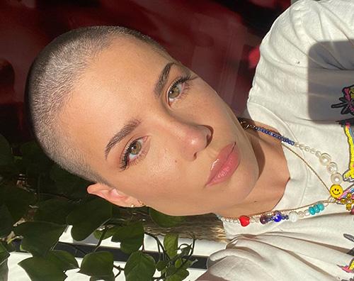 Halsey si è tagliata i capelli