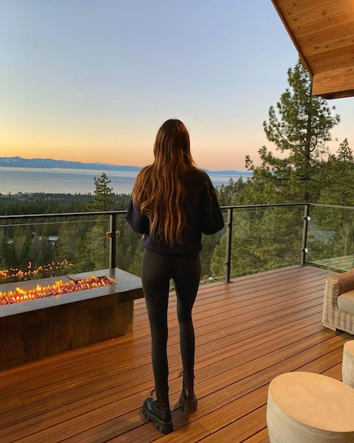 129168369 239858764241124 2972835529237566769 n Kendall Jenner, relax in montagna