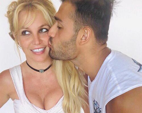 Britney Spears festeggia il compleanno con Sam