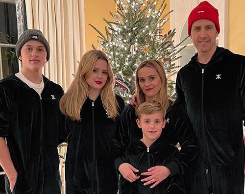 reese 1 Reese Witherspoon con la sua famiglia su Instagram