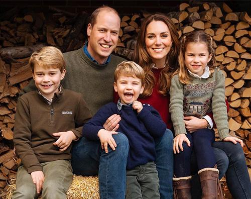 royal family Ecco la card natalizia di William e Kate